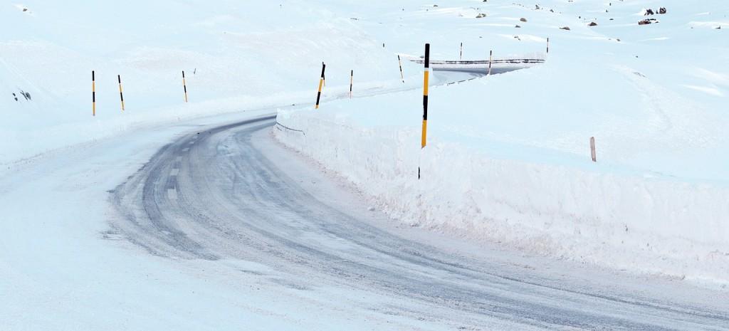 snow-3059988_1280